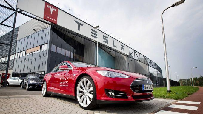 Ръст на акциите на Tesla Motors с близо 7% след силни данни за произведените от компанията електромобили