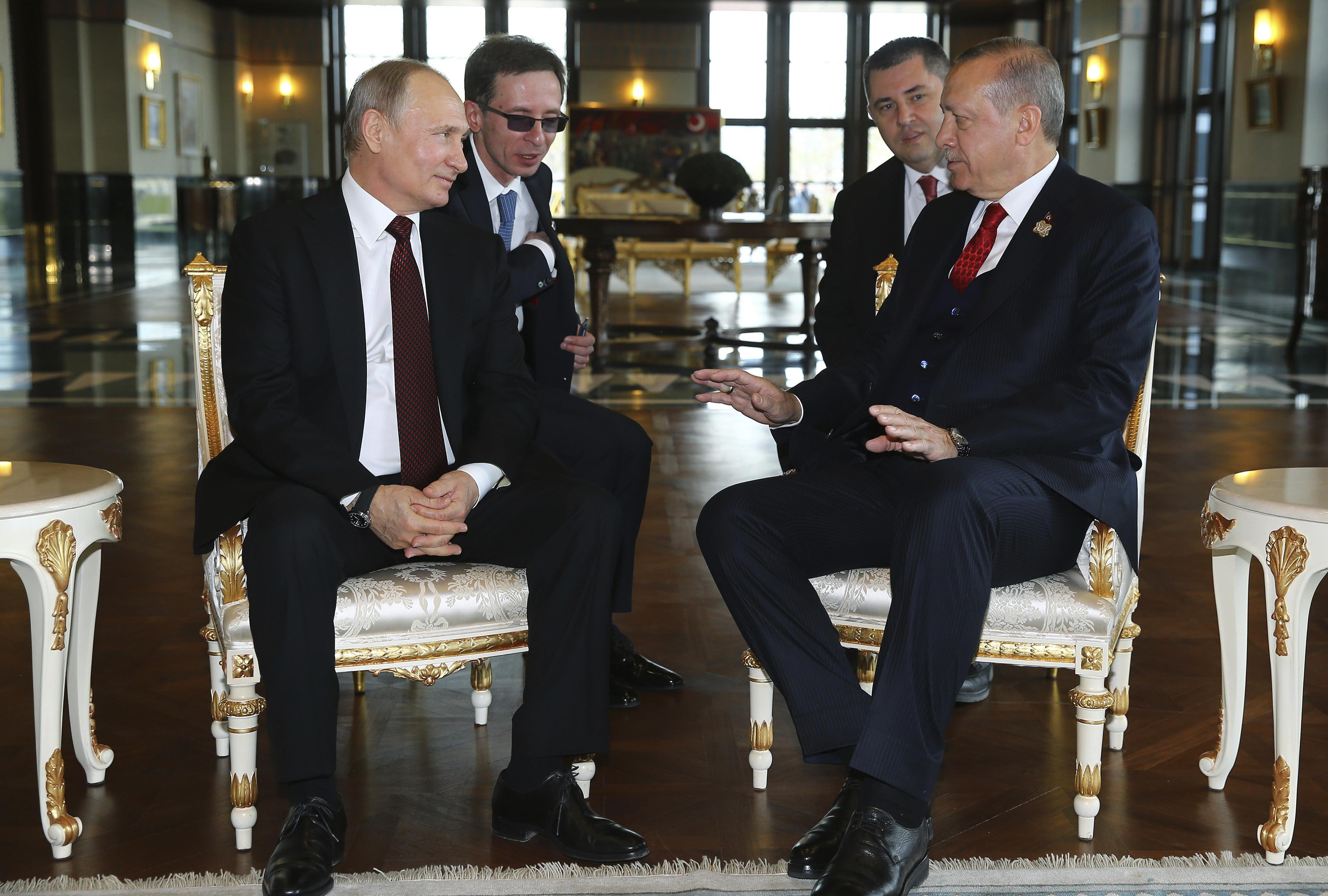 Путин и Ердоган говориха час и половина