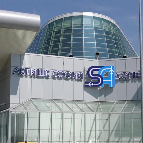 Половин милион пътници на летище София за месец