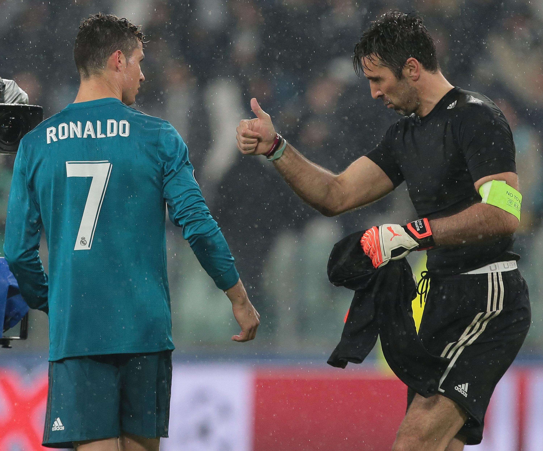 Светът: Роналдо е футболно чудовище