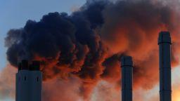 МВФ: Трябва да има минимална тарифа за парникови емисии