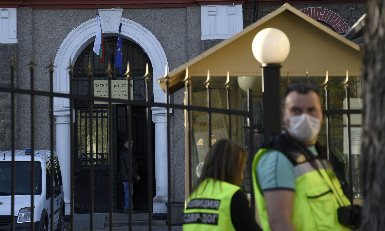 Надзирател е нападнат в затвора в София