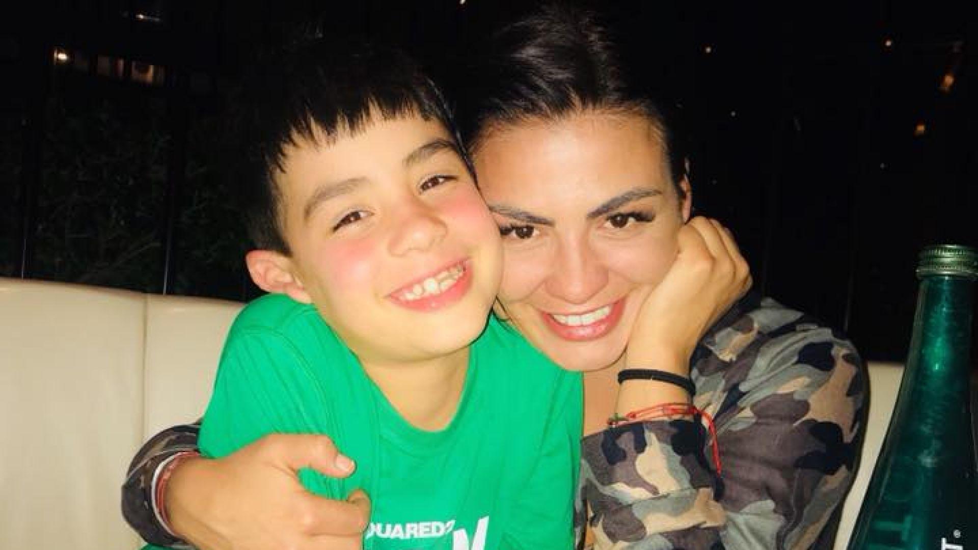 Деси Цонева замина за Дубай със сина си