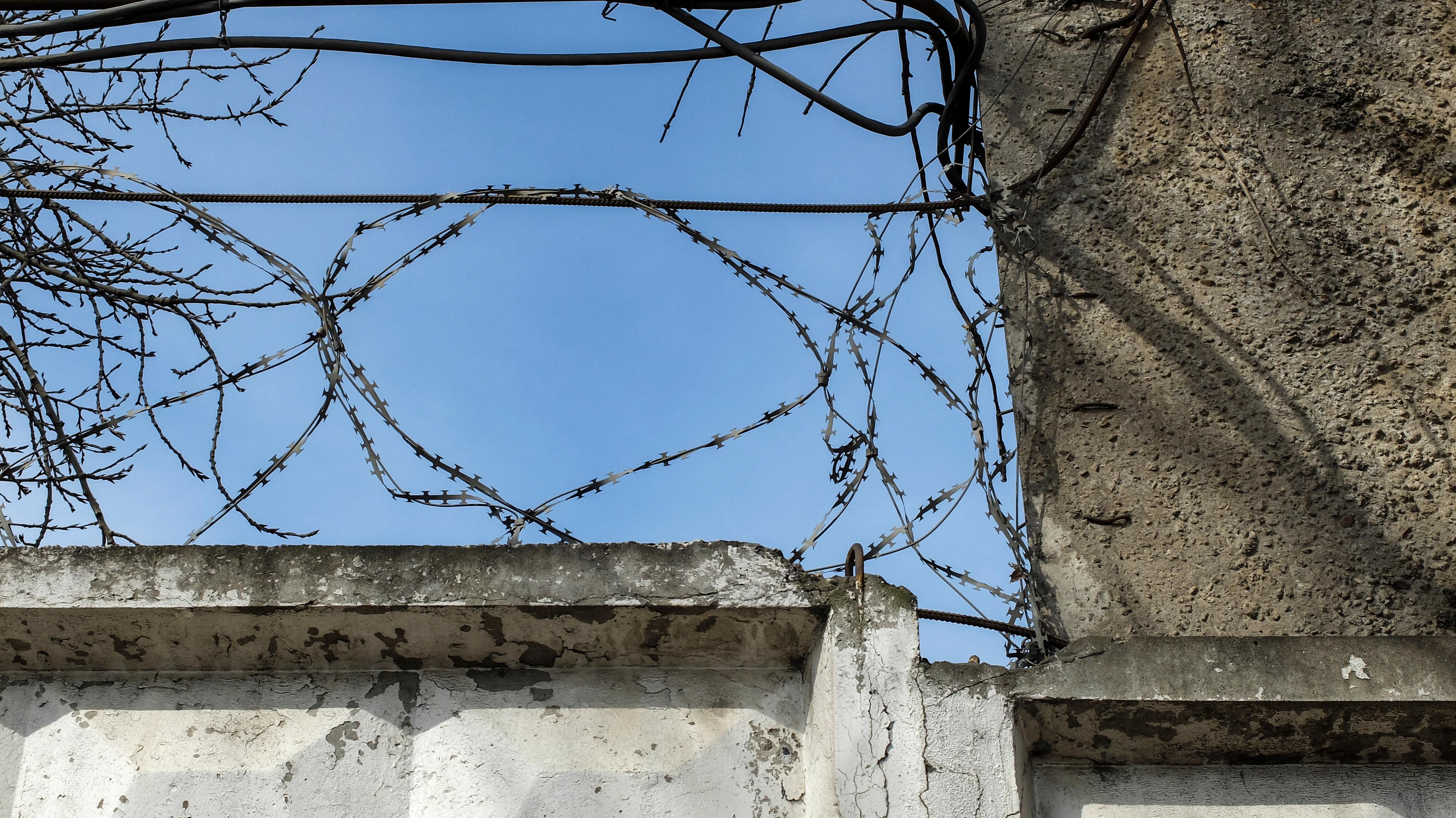 Най-малко 21 убити при опит за масово бягство от затвор