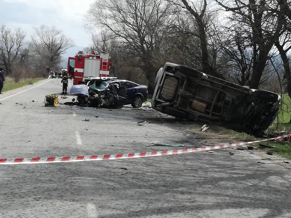 Тежка катастрофа с ТИР и коли край Банско, има загинал