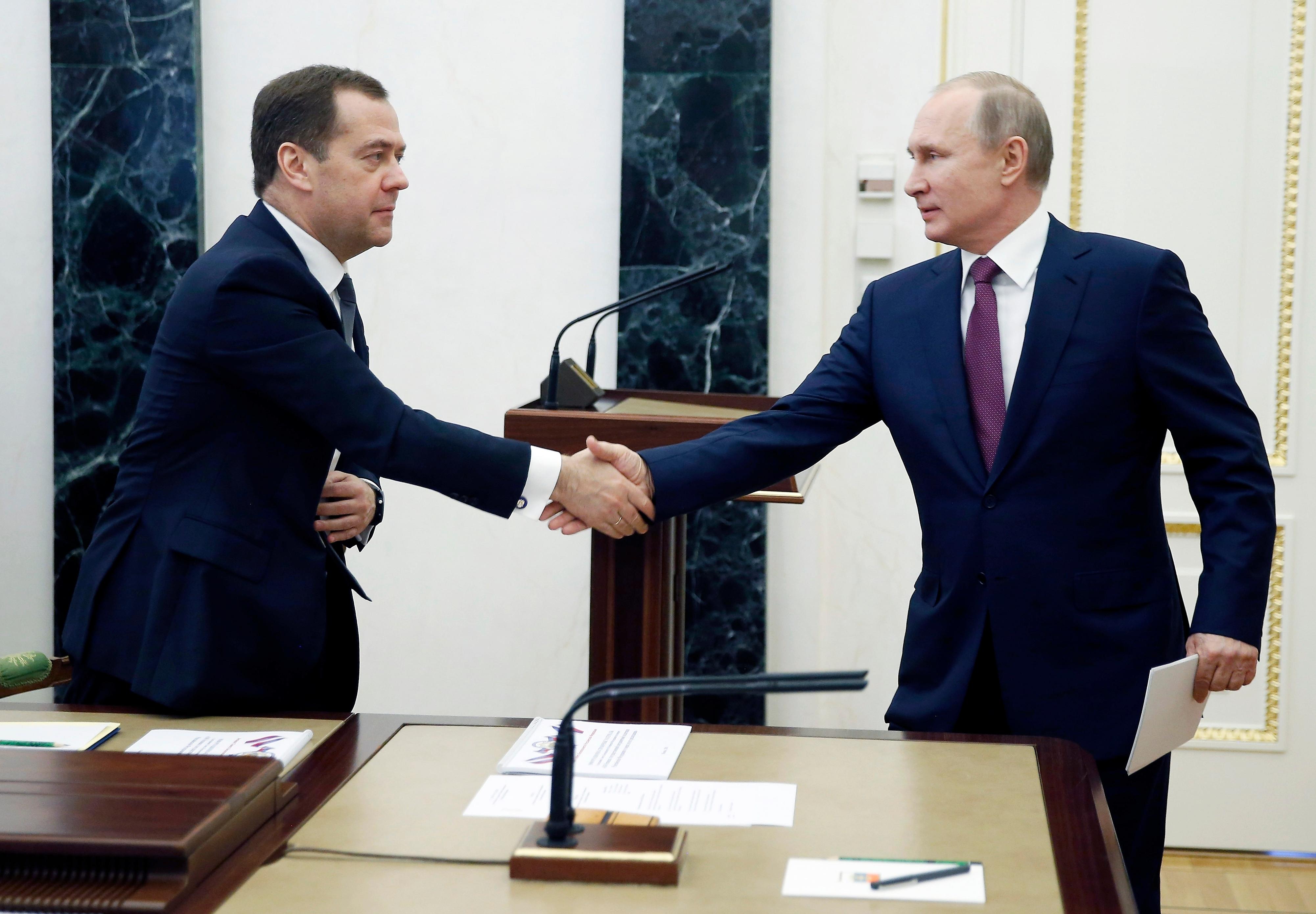 Правителството на Русия подава оставка на 7 май