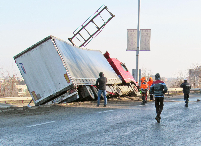 Пътните нарушения в Русенско скочиха двойно