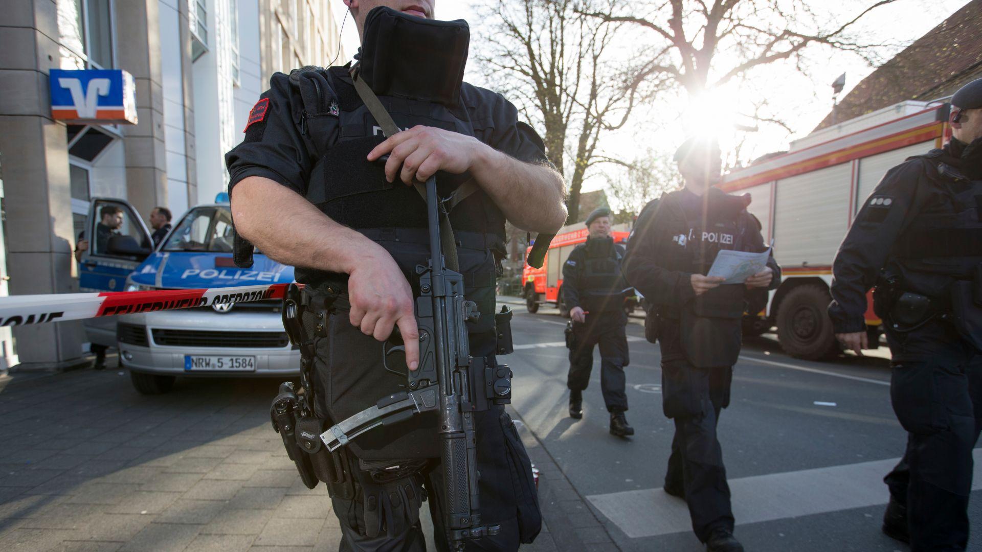 В Германия полицаи застреляха буйстващ афганистански бежанец
