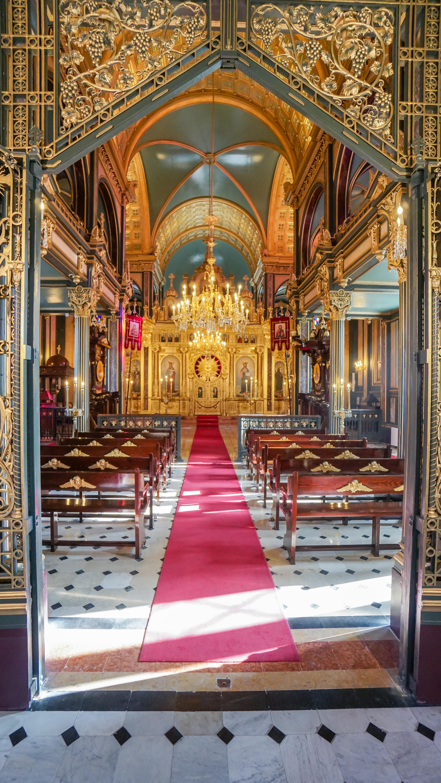 """Хиляди срещаха Великден в църквата """"Свети Стефан"""" в Истанбул"""