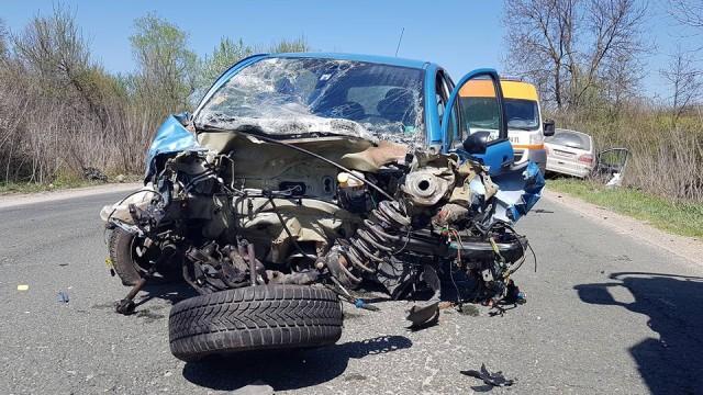 3 жертви след катастрофа, блокирала път за часове