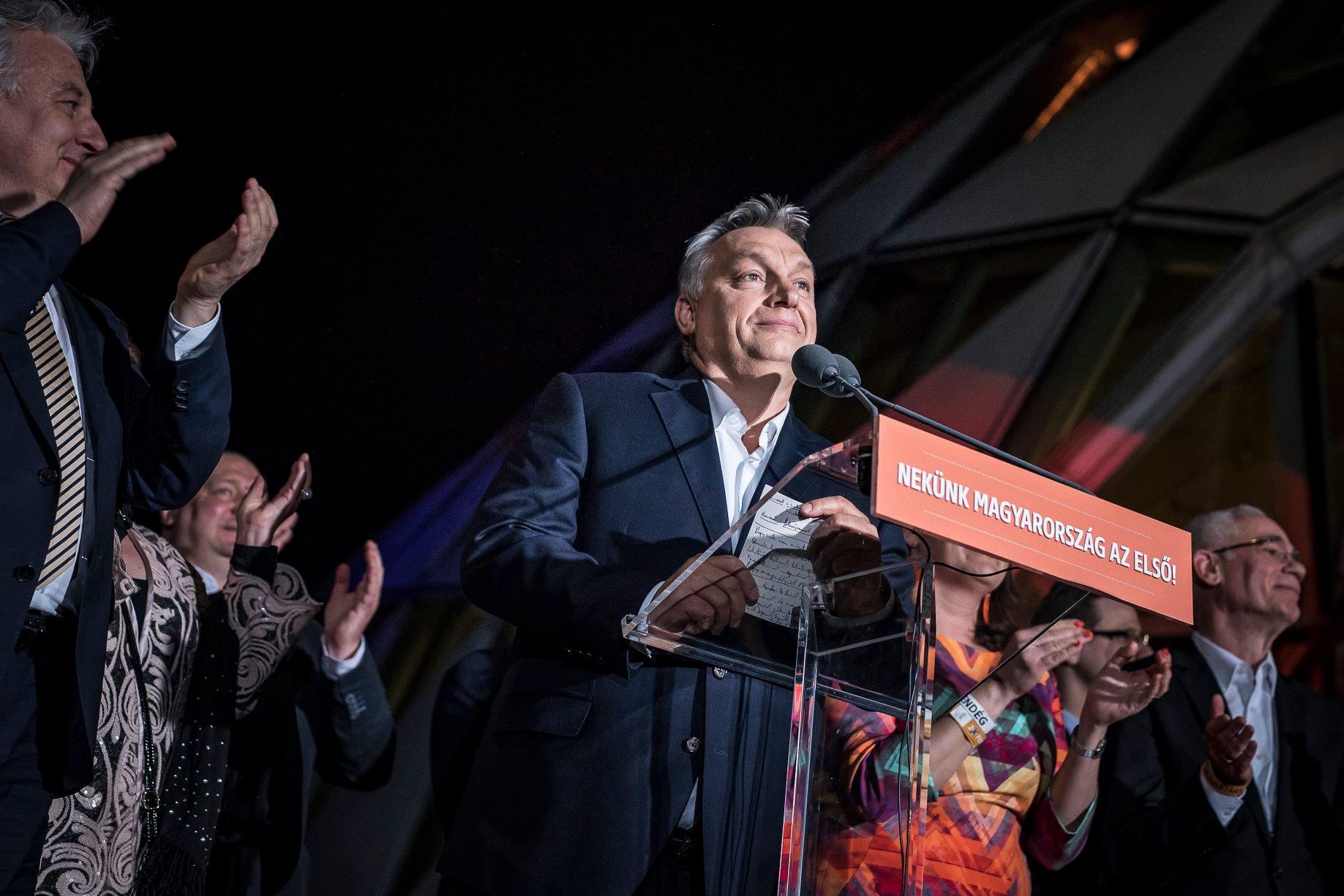 Орбан става за трети път премиер с гласовете от провинцията