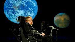 Стивън Хокинг - кратка история на един гений