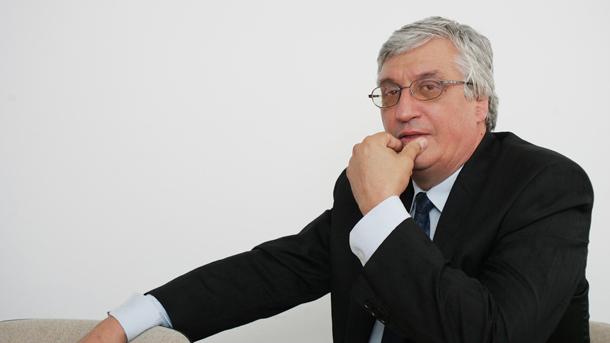 И. Нейков: Ако искаме да има осезаемо увеличаване на пенсиите, трябва да продължим увеличаването на възрастта и на вноските