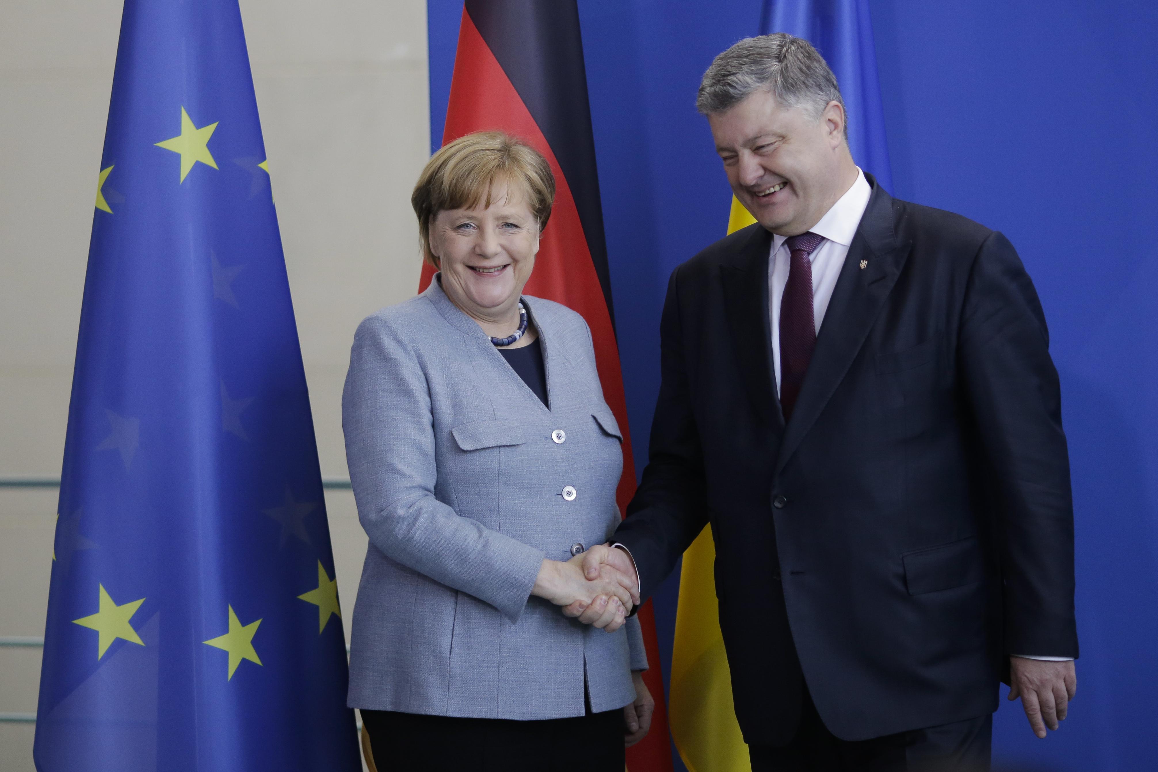 """Меркел постави условие на Путин за """"Северен поток-2"""""""
