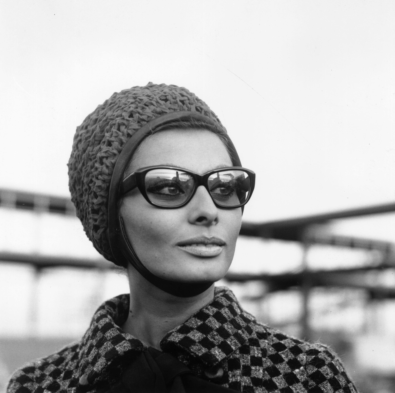 Слънчевите очила на иконите в киното