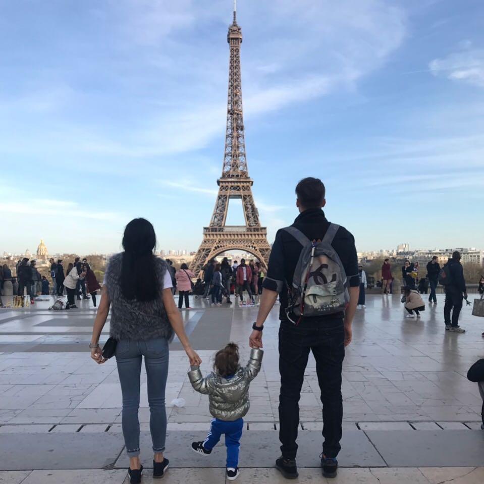 Дарин Ангелов в Париж с любимите си момичета