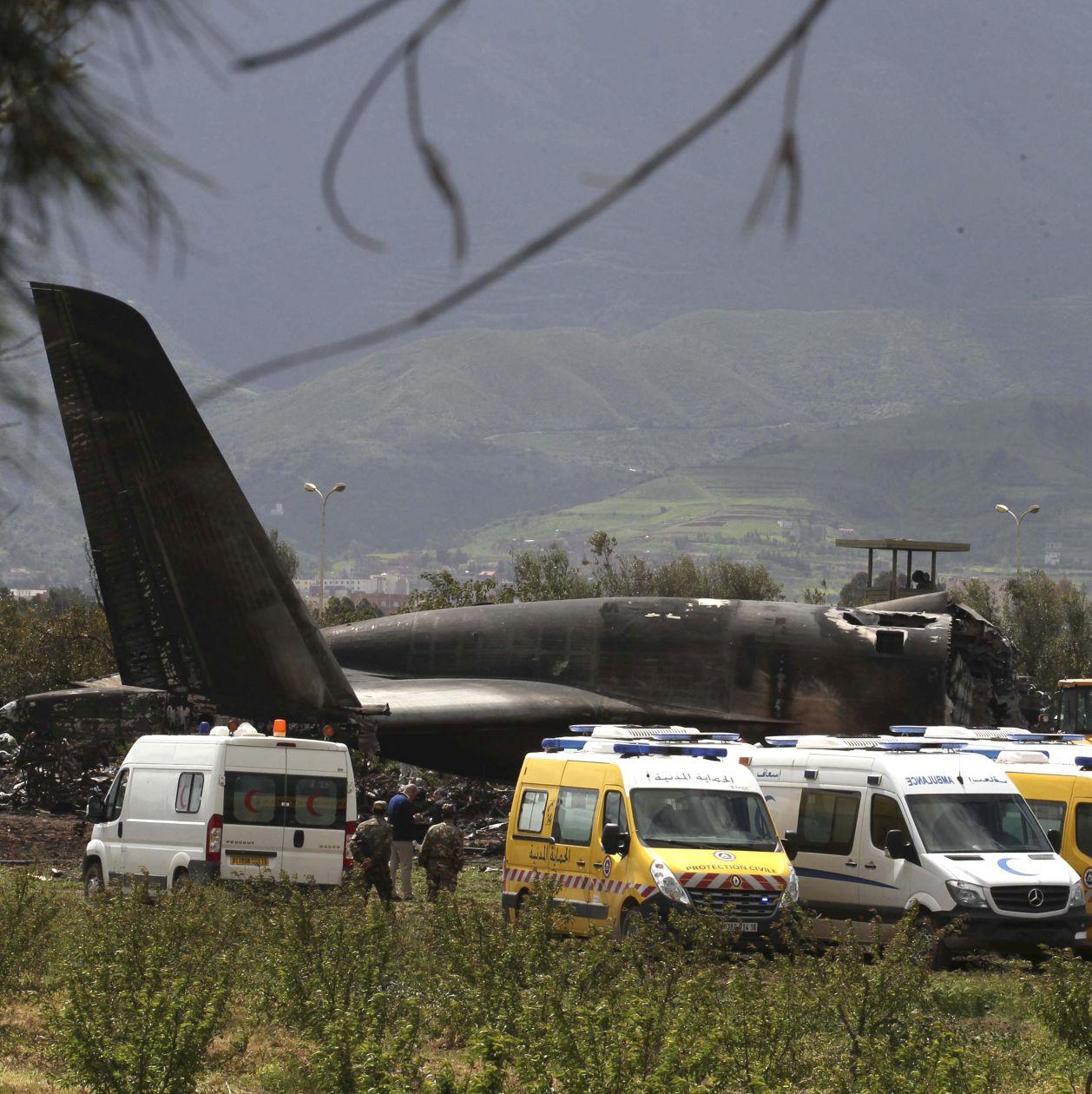 257 жертви на самолетната катастрофа в Алжир, няма оцелели