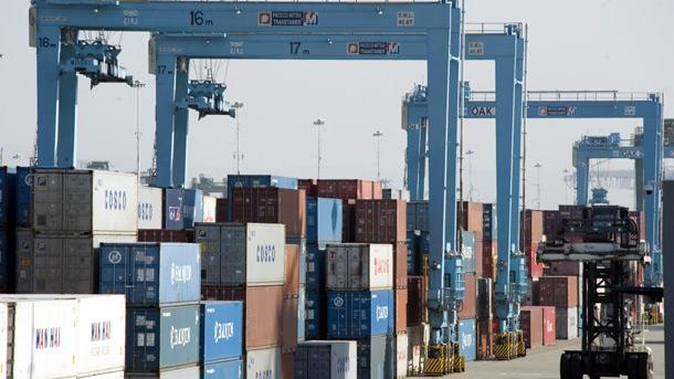 Понижение на българския износ през февруари с 5,3% при увеличение на вноса с 3,1%