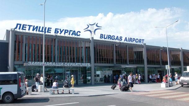 Летището в Бургас очаква 3 милиона туристи за пръв път в историята си