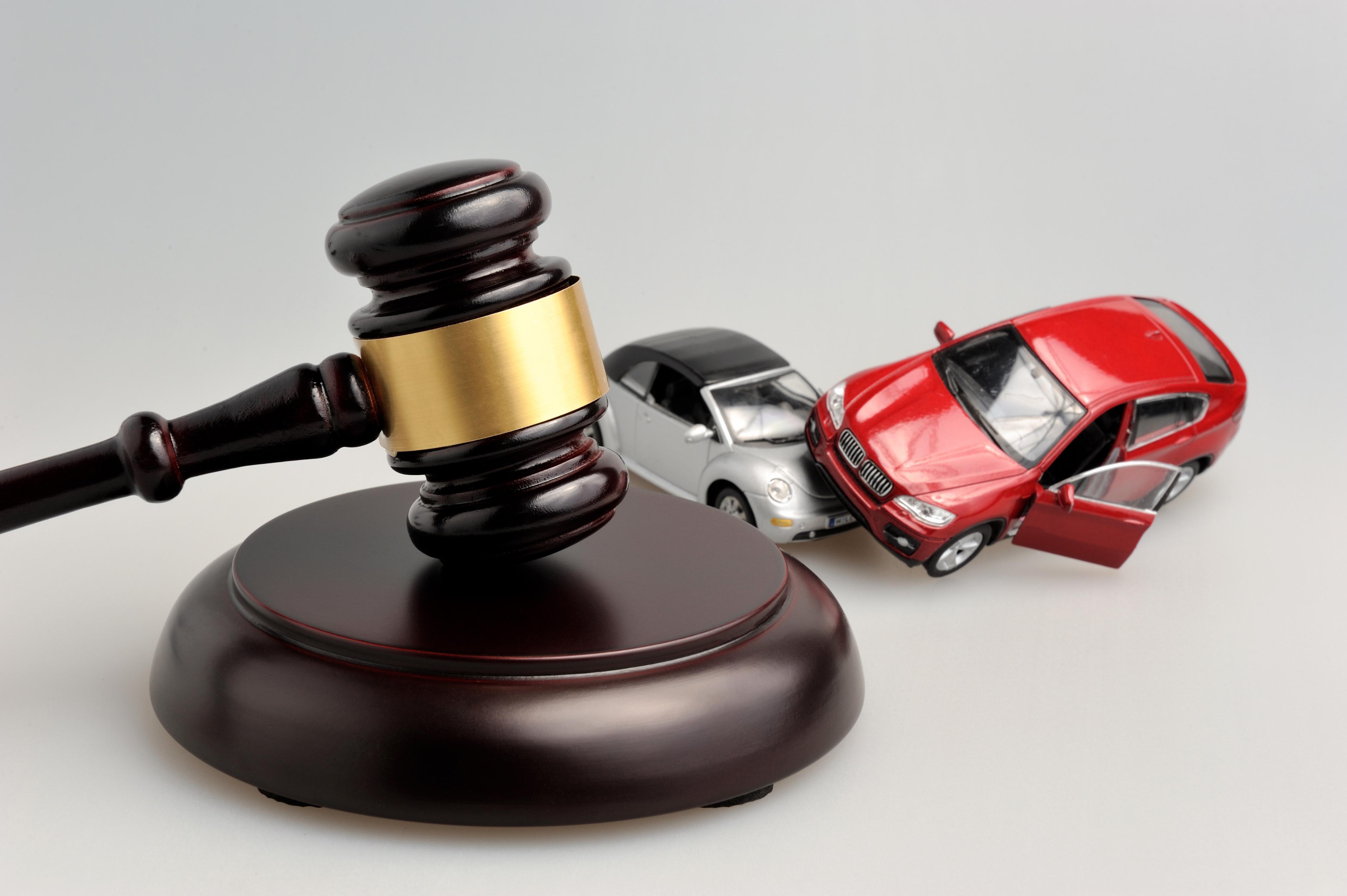 Застрахователи: Автокаско може да скочи заради фермерите