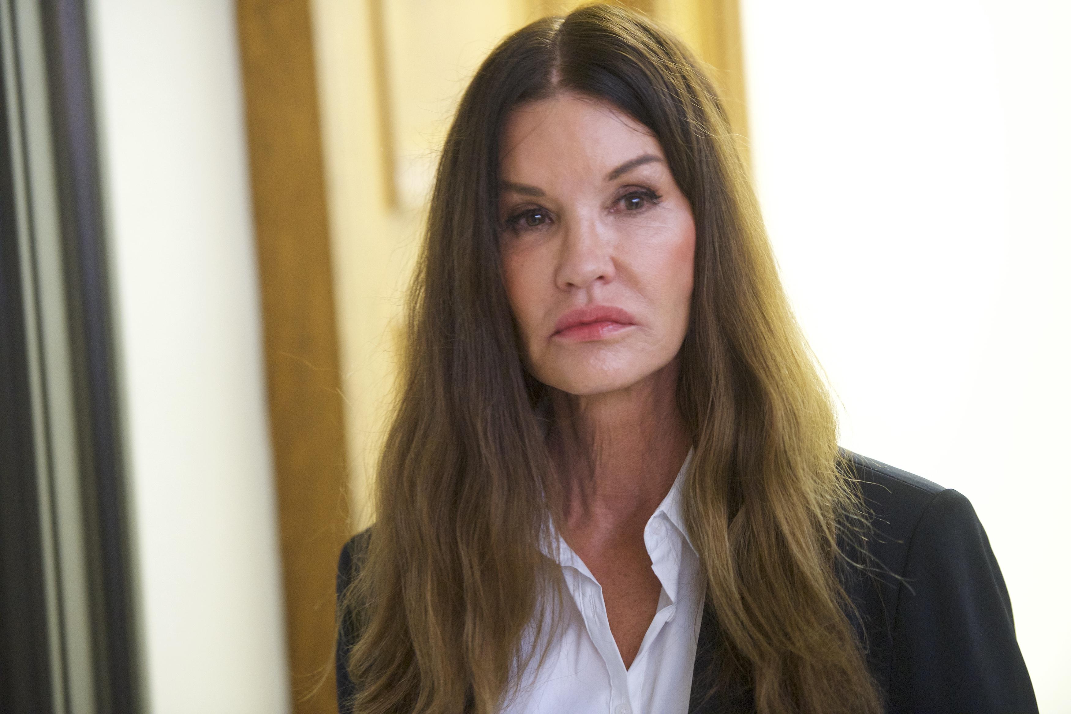Джанис Дикинсън: Бил Козби ме дрогира и изнасили