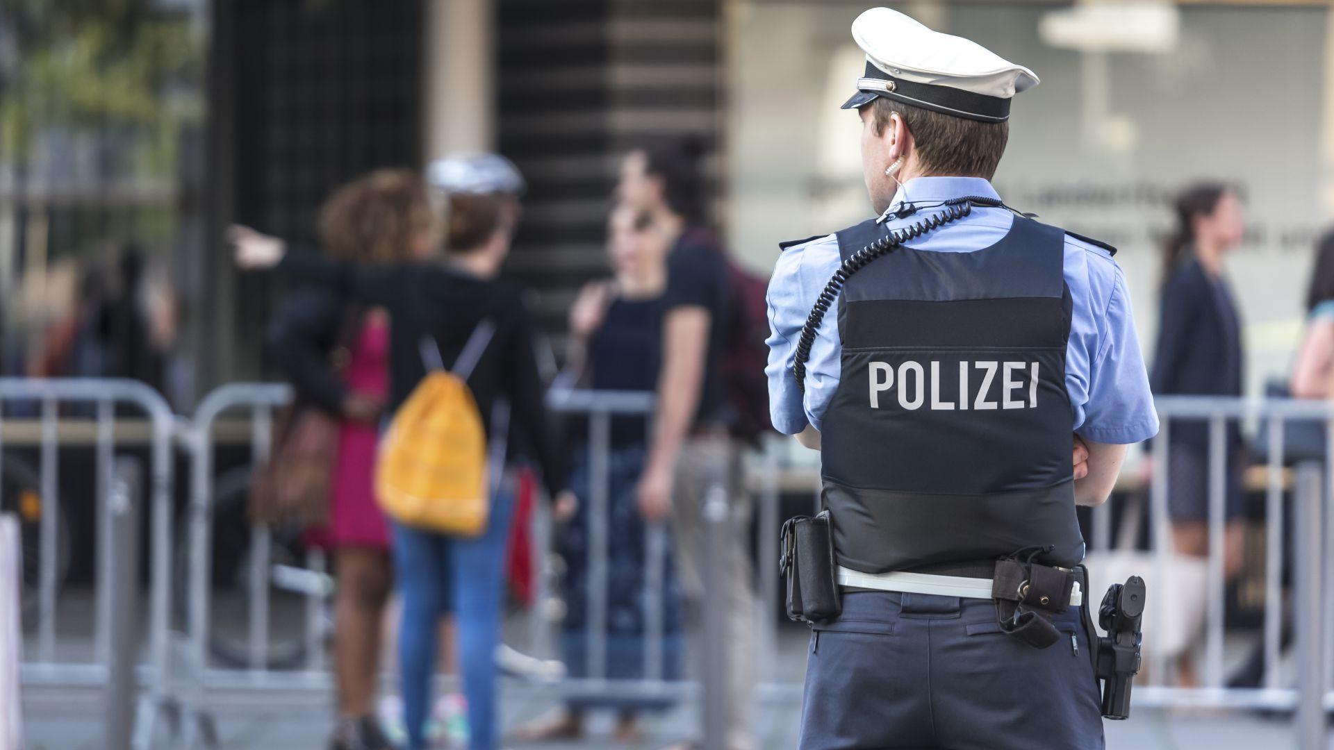В Германия застреляха мъж, нападнал хора с нож