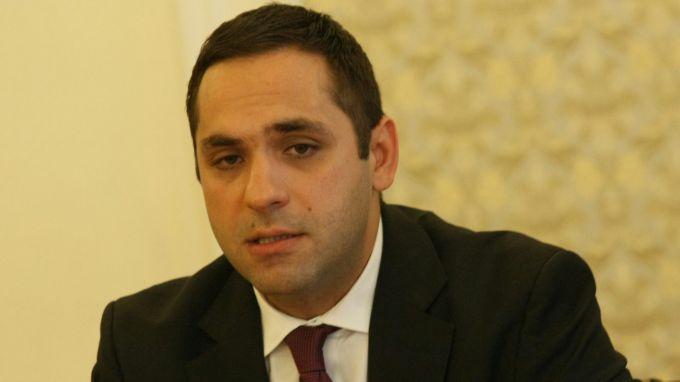 Емил Караниколов прогнозира икономически ръст за тази година между 3,6 % и 4 %