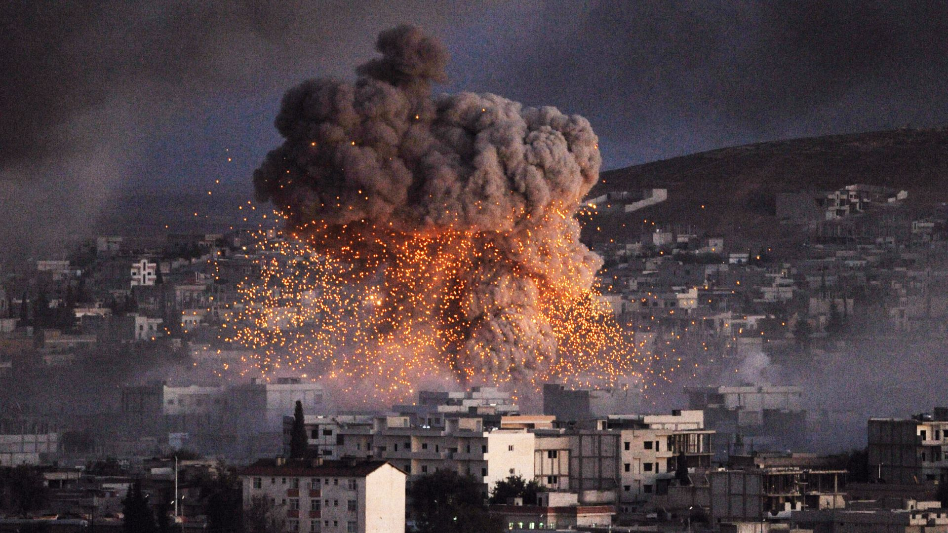САЩ, UK и Франция удариха с ракети Сирия