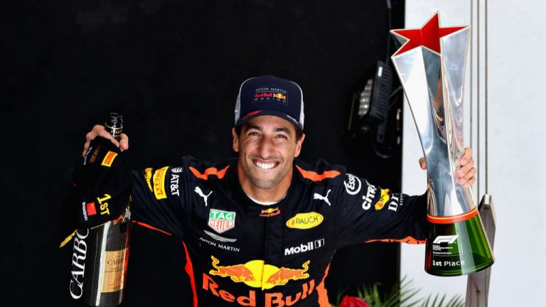 Голям Дани Рикардо триумфира в епохална гонка