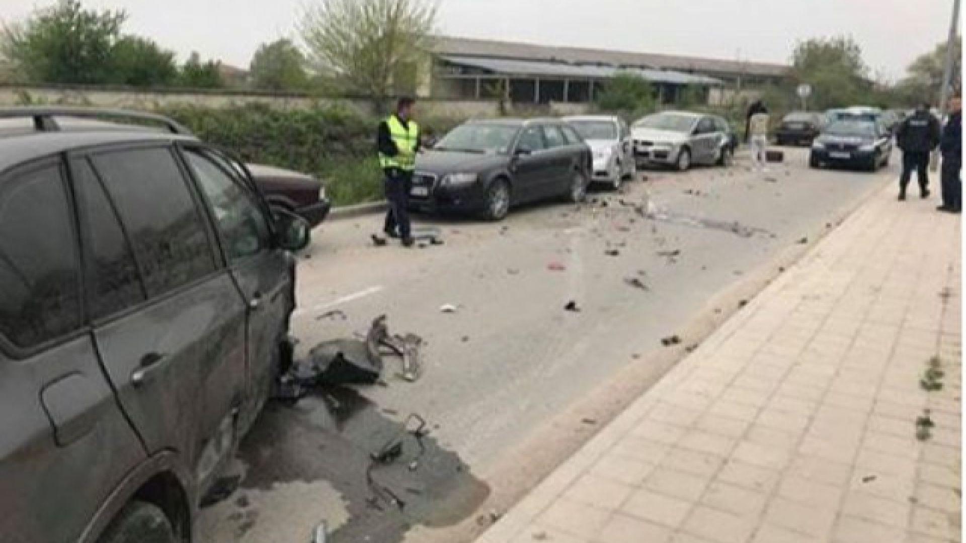Пияна удари 11 автомобила и избяга