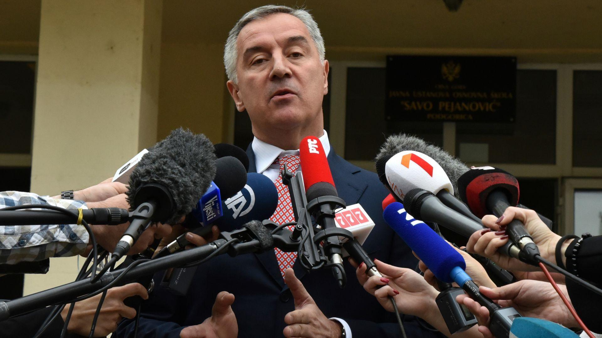 Мило Джуканович води на президентския вот в Черна гора