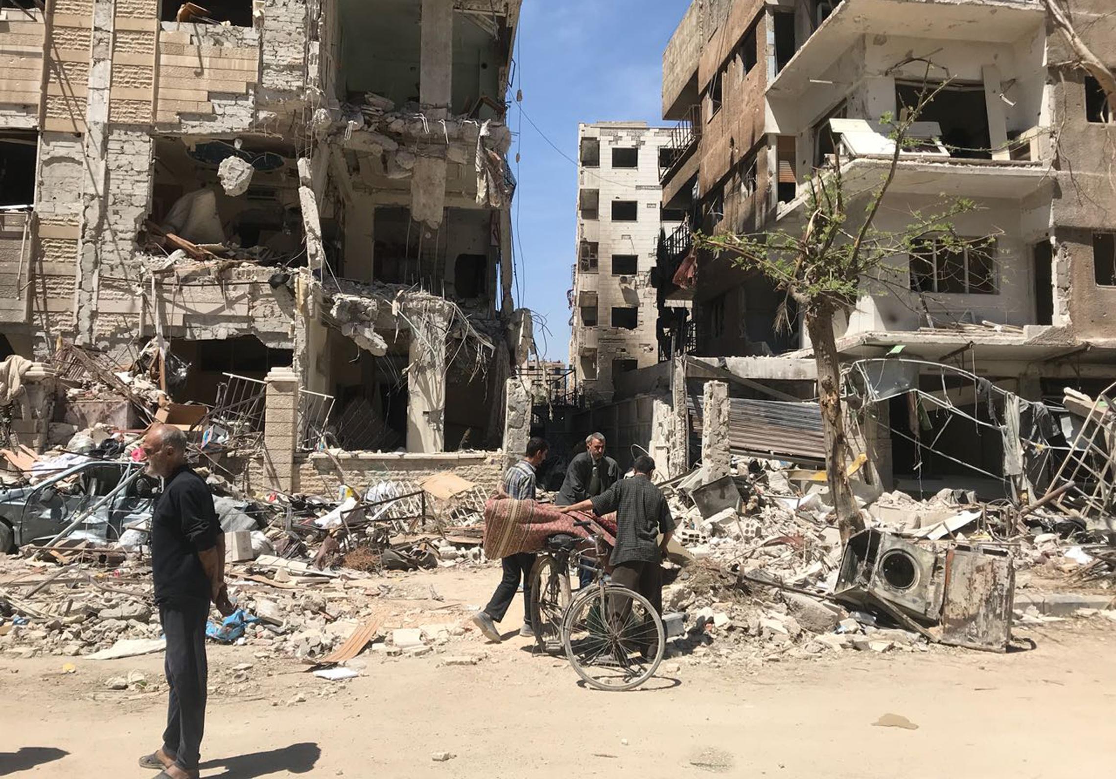 Вместо разследване в град Дума започнаха боеве