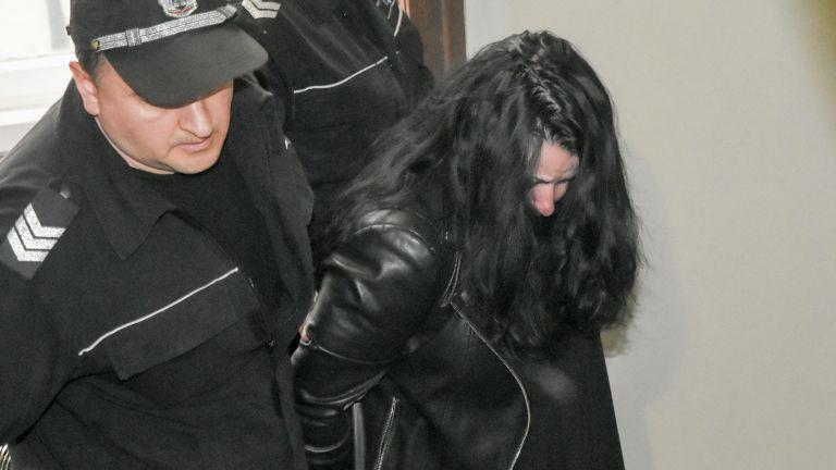 Шофьорката, ударила автобуса, в съда: Не очаквам разбиране