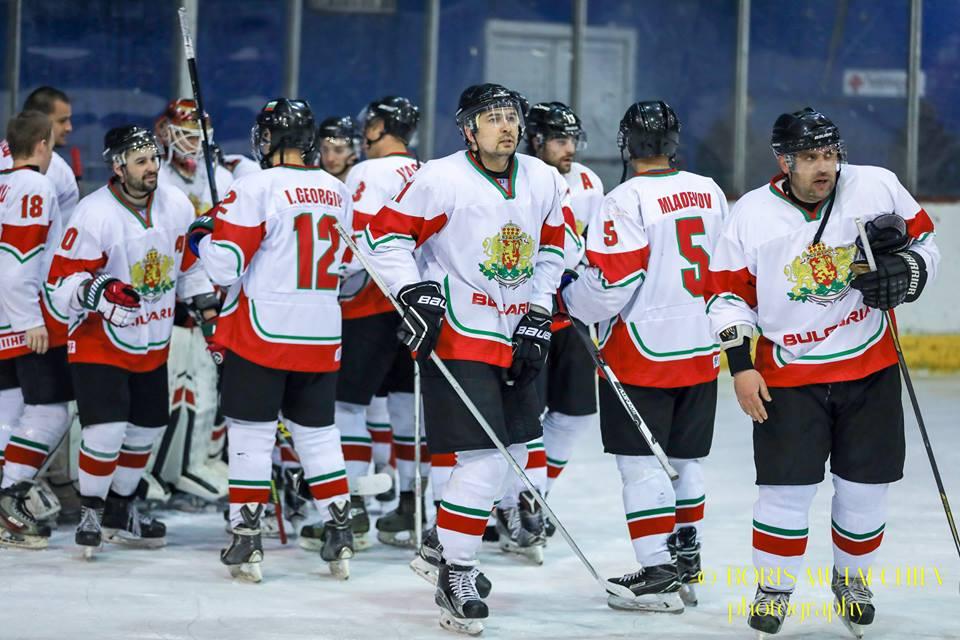 България стартира с успех на Световното по хокей