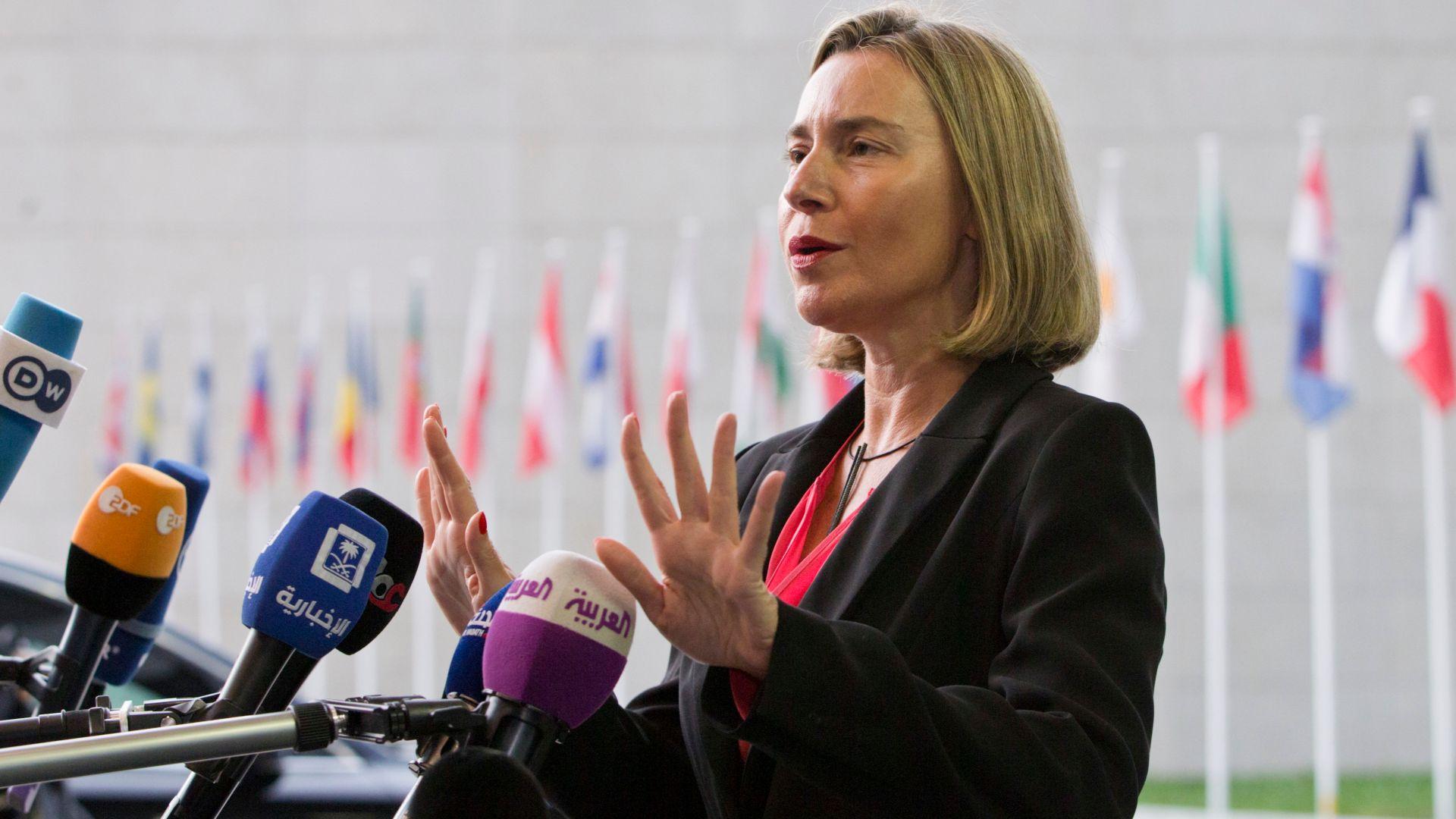 ЕК препоръча старт на преговорите с Македония и Албания