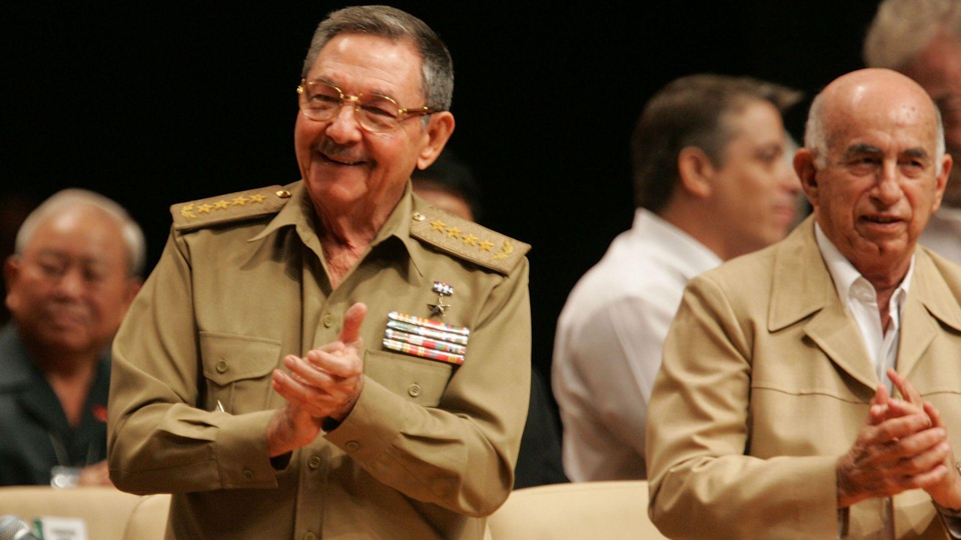 Кубинският парламент избира приемник на Раул Кастро