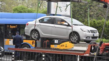 Автомобилът на Иванчева стоял отключен пред Столична община