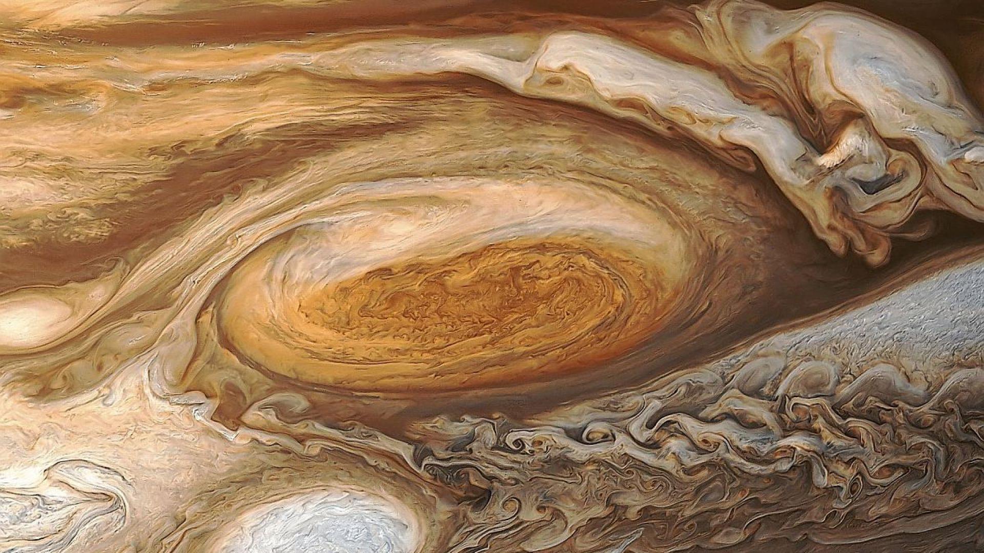 10-те най-красиви снимки на Юпитер