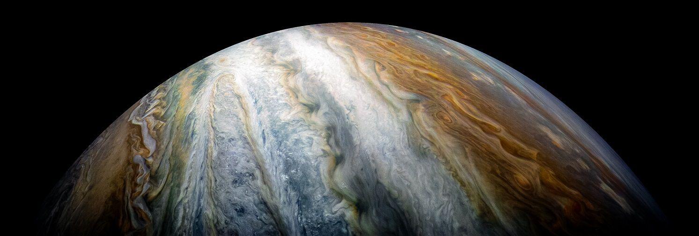 Карл Сейгън е смятал, че при определени условия живот би могъл да възникне в облаците на Юпитер или на подобна на него планета. Поне за сега няма данни за подобно нещо, но и човешките сонди са все още доста немощни, за да регистрират малки бактерии.