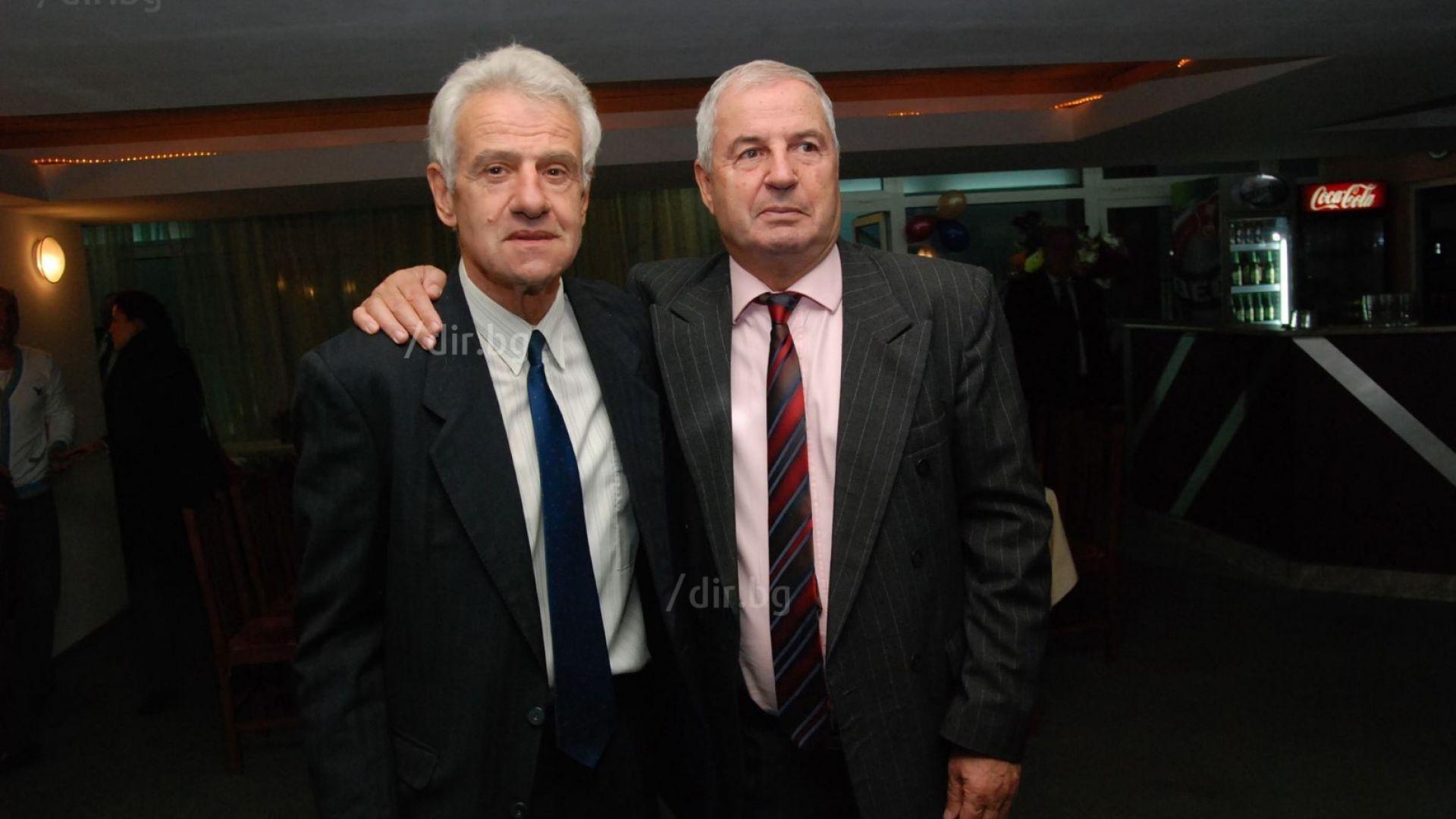 Добромир Жечев: Само 4-5 футболисти в Левски стават, на другите синята фланелка им тежи