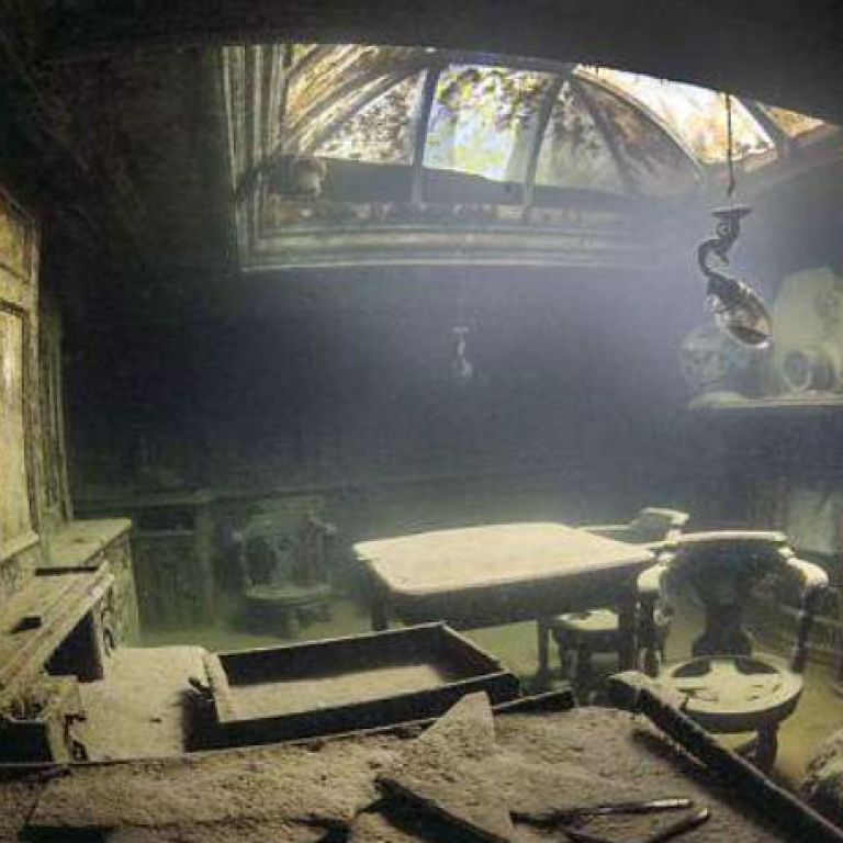 Спиращи дъха подводни снимки на кораб, потънал преди 107 години