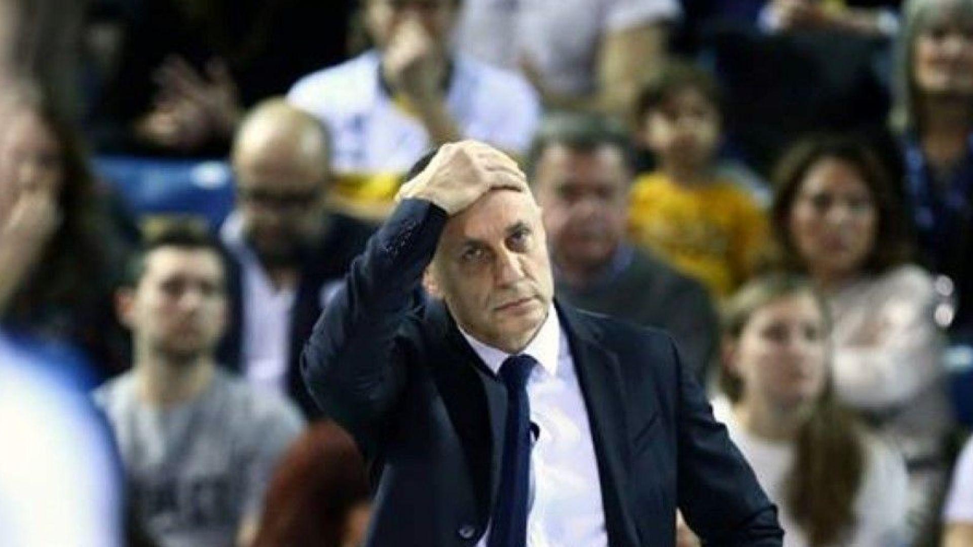 Бунтът на играчите успя - уволниха Радо Стойчев