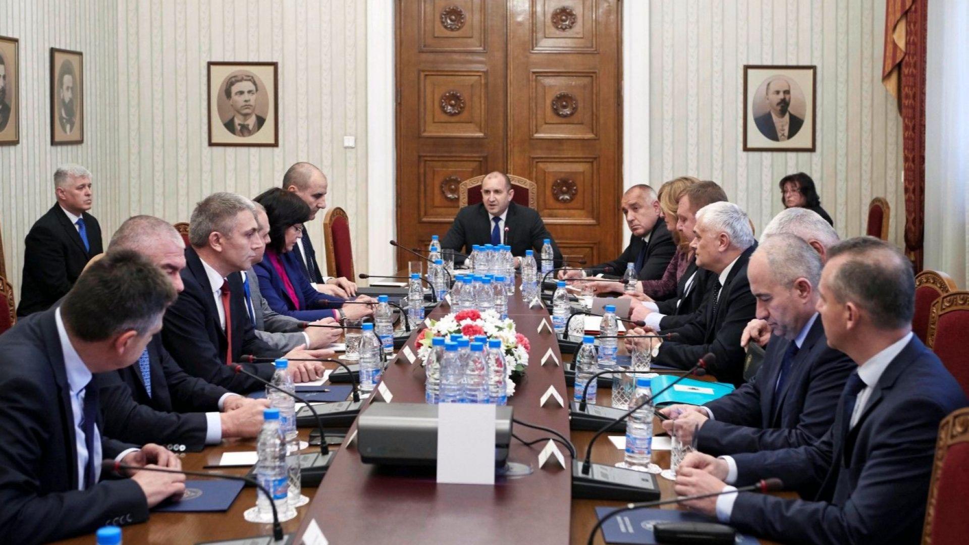 Радев след КСНС: Неотложно е повишаването на разходите за отбрана