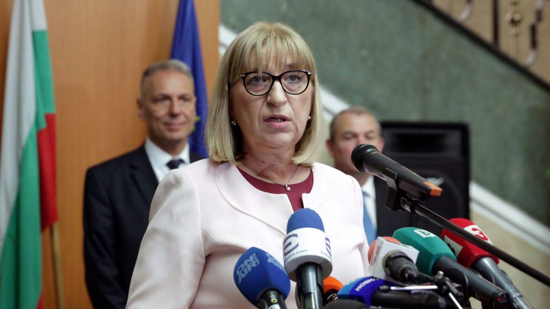 Цачева за ареста на Иванчева: Всичко е под прожекторите