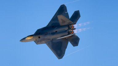 """Може ли F-22 да направи """"кобрата на Пугачов"""""""