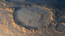 Магичните кратери на Марс