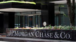 Заради Брекзит: JPMorgan Chase & Co.  прехвърля служители от Лондон в Париж