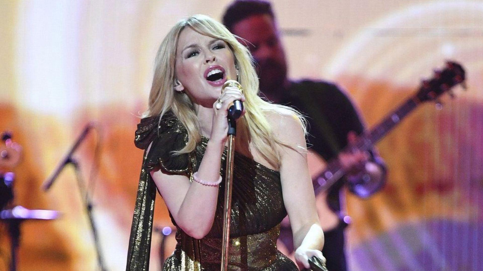 Кайли Миноуг постави рекорд в британската класация с новия си албум