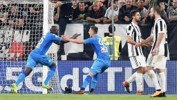 Неапол мечтае след късна драма в Торино
