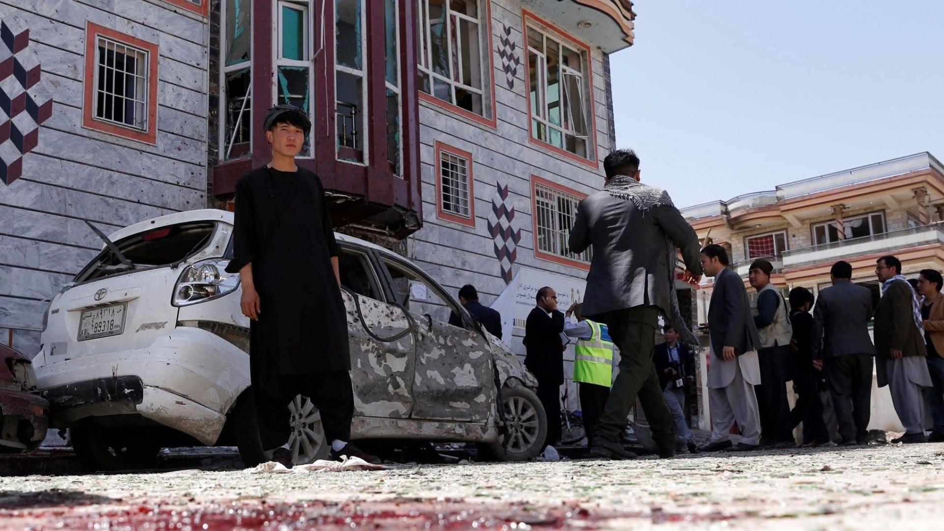 Над 55 убити при атентат в Кабул